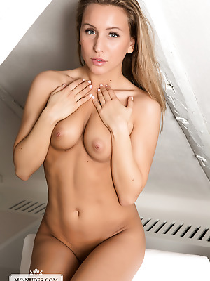 MC-Nudes  Nessy  Beautiful, Cute, Erotic, Softcore, Legs, Teens, Young, Solo